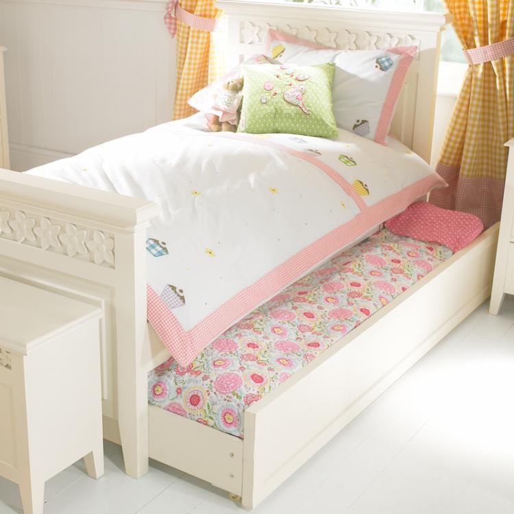 Daisy Brambles Childrens Bed