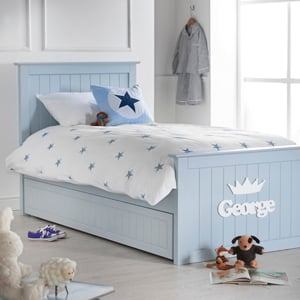 Beautiful children's bedrooms for relaxing summer slumber