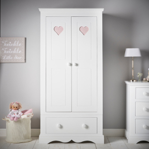 Buying children's furniture should always be a pleasure. It certainly is at Little Lucy Willow!